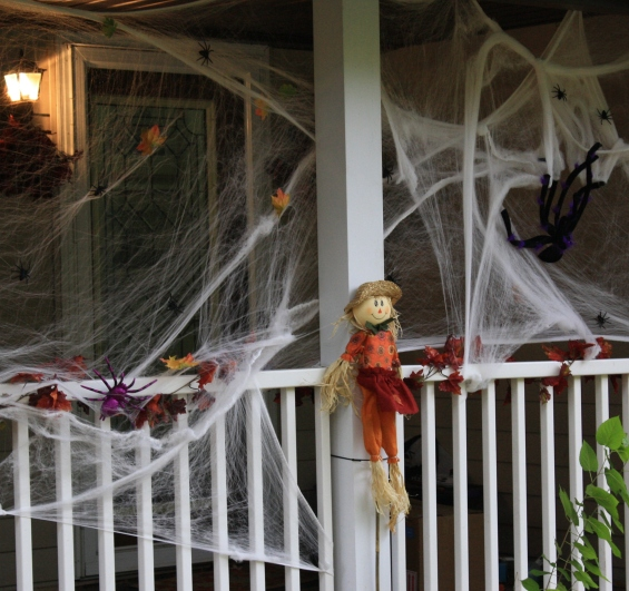 Eek! Spiders are taking hostages
